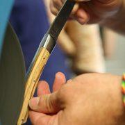 Polissage du dos du couteau